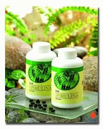 The beneficial effects of algae can not be ignored. Spirulina is a type of blue-green algae which is full of life-giving nutrients such as protein, beta carotene, chlorophyll, vitamin B complex, minerals, essential fatty acids and other important nutrients that our body needs. It is different from other algae because it is easily digested and absorbed by the body. It is also known as one of the best alkaline food, which helps to change weak acidic body condition to a healthy alkaline one.