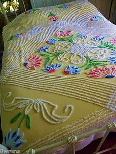 Vintage chenille just lovely. Vintage Bedspread, Bedroom Vintage, Vintage Textiles, Vintage Love, Vintage Decor, Retro Vintage, Vintage Items, Vintage Yellow, Shabby Cottage