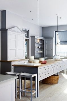 Great Visual Play Cabinets Disappearextending The Color Above Pleasing Standard Kitchen Design Inspiration Design
