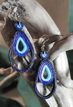 orecchini pendenti in carta (Peacock earrings) di Handy made su DaWanda.com