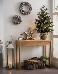 Estrella navideña en el recibidor