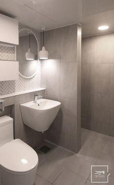 Bad Inspiration, Bathroom Inspiration, Bathroom Interior Design, Interior Design Living Room, Rustic Contemporary, Bathroom Toilets, Dream Bathrooms, Apartment Interior, House Rooms