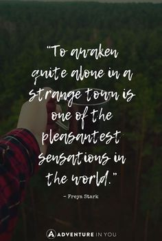 Travel Quotes Looking For Inspiration? Look at This Curated List Of The 100 Most Inspiring Quotes Of All Time. Travel Outfit Summer Airport, Travel Outfit Spring, Travel Couple Quotes, Best Travel Quotes, Family Quotes, Packing Tips For Travel, Travel Essentials, Travel Hacks, Budget Travel