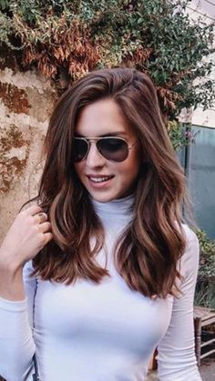 How To Give Your Hair A Beautiful Stunning Look - Frisur Ideen Beauty Tips For Hair, Hair Beauty, Beauty Hacks, Beauty Care, Hair Day, New Hair, Medium Hair Cuts, Medium Hair With Layers, Mid Length Hair With Layers
