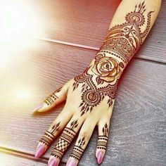 You've got an ocean of henna designs before you, and you can grab your most favorite one. Though it is a small body part, a henna on it looks simple yet elegant. Among all wrist tattoos, henna flower are believed to be the most well-known ones. Mehndi Designs, Henna Flower Designs, Beautiful Henna Designs, Mehndi Patterns, Henna Tattoo Designs, Hand Designs, Beautiful Tattoos, Design Tattoos, Color Tattoos