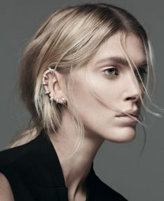 REPOSSI // Berbère 18-karat gold diamond ear cuff