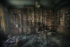 Urbex guru Andre Govia has an uncanny ability to take the most amazingly beautiful photos of creepy abandoned places. If you like abandoned, creepy, spooky, scary or haunted, then you could disappe… Abandoned Buildings, Abandoned Library, Abandoned Mansion For Sale, Abandoned Castles, Abandoned Mansions, Old Buildings, Abandoned Places, Derelict Places, Des Photos Saisissantes