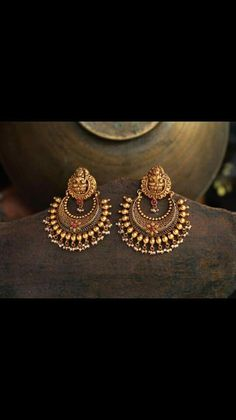 Mens Silver Jewellery & Gifts For Him Gold Jhumka Earrings, Gold Earrings Designs, Gold Jewellery Design, Silver Jewellery, India Jewelry, Temple Jewellery, Schmuck Design, Antique Jewelry, Antique Gold