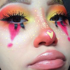 121 abstract makeup looks that are totally selfie Clown Makeup Pretty Abstract Makeup selfie Totally Makeup Fx, Artist Makeup, Cosplay Makeup, Makeup Goals, Makeup Inspo, Makeup Inspiration, Cute Clown Makeup, Halloween Makeup Clown, Halloween Costumes
