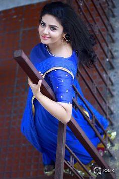 Mex in girl Beautiful Girl In India, Beautiful Girl Photo, Beautiful Bollywood Actress, Most Beautiful Indian Actress, Cute Beauty, Beauty Full Girl, South Indian Blouse Designs, Dehati Girl Photo, Cute Girl Poses
