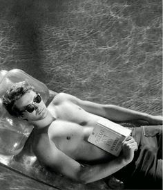 James Dean. This picture reminds me of another of my favorite actors. hmmmmm