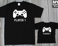 Jugador 1 jugador 2 juego camiseta padre de por MyGraphicStoreCo
