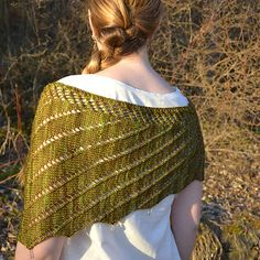 The Garden Steps Asymmetrical Scarf is inspired by the hidden grottos, rusted wrought iron and damp, moss covered stones that inhabit the shady corners of all secret gardens, both imaginary and real. Shawl Patterns, Knitting Patterns, Crochet Patterns, Knitting Stitches, Garden Steps, Lace Wrap, Neck Scarves, Knitted Shawls, Yarn Needle