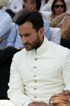 Saif Ali Khan turns Nawab - Take a look at some photographs of the star actor's crowning ceremony at his ancestral homeAfter the mourning period for Mansoor Ali Khan Pata Sherwani Groom, Mens Sherwani, Wedding Sherwani, Indian Men Fashion, New Mens Fashion, Men's Fashion, Winter Fashion, Saif Ali Khan Kurta, Marriage Dress For Men