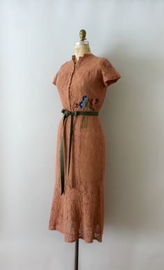 Vintage 1940s dress, unique blushed cocoa colored cotton lace body with embroidered floral detail at the waist, fitted bodice, short sleeves,