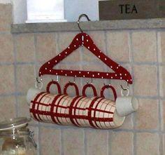 Cuelga tus tazas de una percha  #perchas #diy #manualidades #hogar #decoración #perchas #reciclar