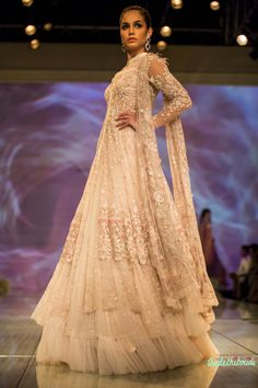 Tarun Tahiliani at India Bridal Fashion Week 2014 See the rest of the collection… Pakistani Wedding Dresses, Pakistani Bridal, Pakistani Outfits, Indian Dresses, Indian Outfits, Bridal Dresses, Pakistani Couture, Indian Couture, Tarun Tahiliani