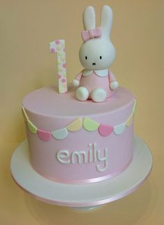 Miffy birthday cake! Ella would love this.