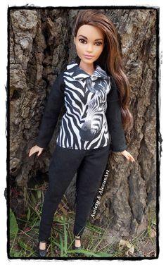 Curvy barbie leggings Curvy barbie clothes leopard print Curvy style leggings