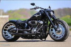 Thunderbike nightclub custom harley davidson softail fat boy flfbs harley davidsons latest 2019 power cruiser fxdr recreated by thunderbike customs Harley Davidson Chopper, Harley Davidson Images, Harley Davidson Custom Bike, Harley Davidson Parts, Harley Davidson Street Glide, Harley Davidson Motorcycles, Breakout Harley Davidson, Harley Fatboy, Hd Fatboy