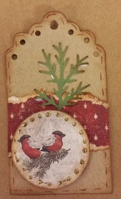 Scrappiness: Til- og fra lapper. Christmas Tag, Christmas Crafts, Decorative Plates, Scrapbooking, Tags, Home Decor, Noel, Decoration Home, Room Decor