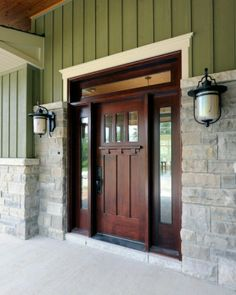 Front Door Paint Colors - Want a quick makeover? Paint your front door a different color. Here a pretty front door color ideas to improve your home's curb appeal and add more style! Design Exterior, Door Design, Style At Home, Exterior Doors, Entry Doors, Front Entry, Barn Doors, Wood Doors, Exterior Paint