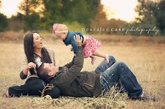 Super Hero Capes: Such a sweet family pose!