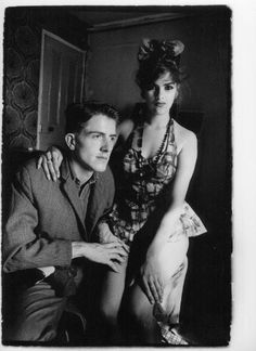 Tracey Emin & Billy Childish photographed in their house on the Luton Road, Chatham. Art Paintings For Sale, Original Paintings For Sale, Beautiful Images, Beautiful People, Billy Childish, Degenerate Art, Tracey Emin, Rock N Roll Music, Post Punk