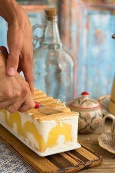 tarta de yogurt y piña  Pinterest | https://pinterest.com/elcocinillas