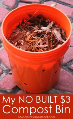 A compost bin you ca Gardening For Beginners, Gardening Tips, How To Start Composting, Bokashi, Green Living Tips, Garden Compost, Backyard Beekeeping, Natural Cleaners, Plantar