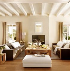 Light and neutral living room, modern, but welcoming.