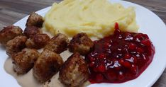 Švédské masové kuličky Baked Potato, Mashed Potatoes, Beef, Baking, Ethnic Recipes, Food, Whipped Potatoes, Meat, Smash Potatoes