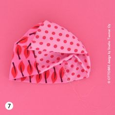 The OTTOBRE design® Blog: Baby Beanie tutorial from OTTOBRE design® 4/2015 Free Baby Patterns, Fleece Patterns, Sewing Patterns Free, Clothing Patterns, Baby Clothes Quilt, Diy Clothes, Slouchy Beanie Pattern, Sewing For Kids, Baby Hats