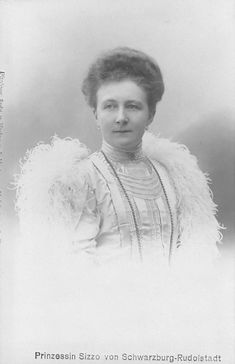 Her Serene Highness Princess Sizzo of Schwarzburg née Her Serene Highness Princess Alexandra of Anhalt Adele, Royal Family History, Royal Monarchy, Royal Photography, Family Research, Royal House, Queen Victoria, Belle Epoque, Lady