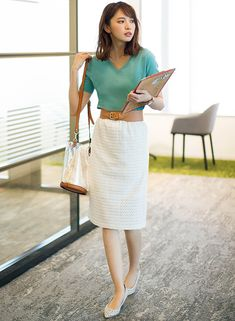 25 Perfect Work Outfit That Makes You Look Classy for Fashion in 2020 - Fashionmgz Modest Fashion, Fashion Outfits, Womens Fashion, Skirt Outfits, Dress Skirt, Classy Street Style, Stylish Summer Outfits, Office Outfits, Work Outfits