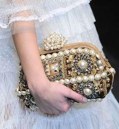 Dolce & Gabbana bolso de mano pedreria y perlas
