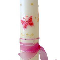 Zu finden auf http://www.my-little-store.de/osqskn3png5td3bq:33  Wunderschön handgearbeitete Tauf- oder Geburtskerze von DEINLIEBLINGSLADEN mit Band und Schmetterling-Motiv in pink sowie Wunschname und Wunschdatum in der Größe 300mm x 80mm.
