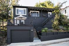 paint it black! / sfgirlbybay exterior paint colors: Benjamin Moore Oynx Black, trim Benjamin Moore Oxford White