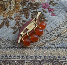 Genuine Amber 1970 Vintage Lily of the Valley brooch (back)