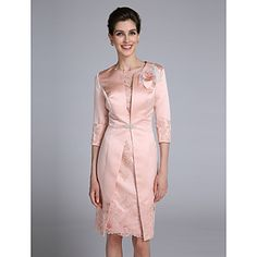 Lanting Bride® Trumpet / Mermaid Mother of the Bride Dress Knee-length 3/4 Length Sleeve Satin with Appliques / Buttons / Flower(s) – AUD $ 171.59