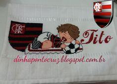 Olá!  Hoje vim mostrar uma encomenda que amei bordar  Afinal uma vez Flamengo sempre Flamengo    Fralda , banho e lavabo rubro negro   ...