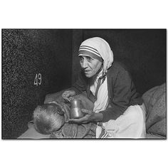 Life Magazine – Mother Theresa of the Slums, Mary Ellen Mark Mary Ellen Mark, Sainte Rita, Sainte Therese, Marie Curie, Missionaries Of Charity, A Course In Miracles, Mahatma Gandhi, Documentary Photography, Blessed Mother