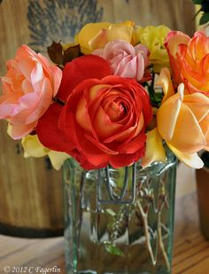 gorgeous colors! gorgeous roses!