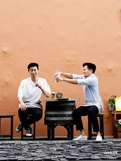 Park Seo Joon & Lee Seo Jin in Young's Kitchen 2 (Tenerife) Hot Actors, Actors & Actresses, Korean Actors, Korean Men, Kang Haneul, Park Seo Jun, Cute Disney Drawings, Lee Seung Gi, Seo Joon