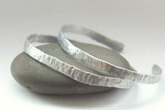 Silver Aluminum Upper Armband. Hammered Metal by artwearhandmade