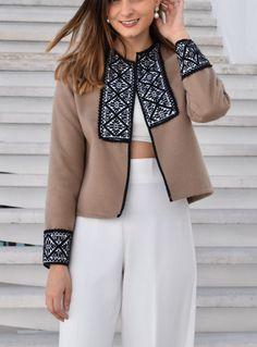 Celestina blanca larga – ROPA Iranian Women Fashion, Indian Fashion, Mode Kimono, Mexican Fashion, Trench Coat Style, Dress Indian Style, Casual Outfits, Fashion Outfits, Pakistani Dress Design