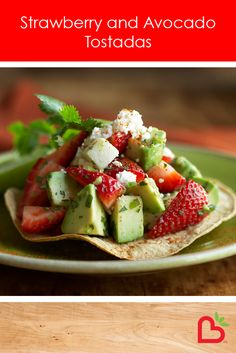 This recipe for strawberry and avocado tostadas is a good starter recipe for those looking to experiment with new ways to enjoy strawberries. You might also be pleasantly surprised at how delicious strawberries can be when added to savoury dishes Tostadas, Tacos, Healthy Snacks, Healthy Eating, Healthy Recipes, Eating Clean, Skinny Recipes, Healthy Options, Veggie Recipes