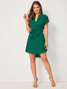 V-neck Rolled Cuff Dip Hem Belted Dress. Belted Dress, Bodycon Dress, Casual Dresses, Dresses For Work, Looks Chic, V Neck Dress, Types Of Sleeves, Casual Chic, Fashion News