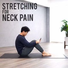 Video credit: @kinsen.yoga Having neck pain? Use your phone/computer too much? Do these exercises to stretch and relieve your neck every day to protect your neck and spine! #yoga #yogaposes #beginners #tutorial #yogainspiration #pose #yogatutorial #fitness #yogadaily