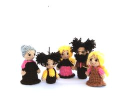 pink brown family, crochet family finger puppets, mother, father, boy, girl and grandmother, tiny amigurumi human miniatures, crochet puppet. $42.00, via Etsy.